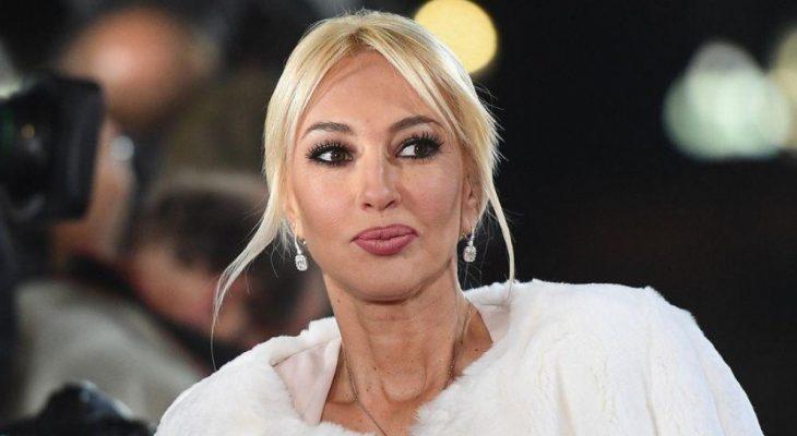 Лера Кудрявцева впервые вышла в свет после операции