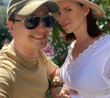 Сергей Безруков показал видео с беременной Матисон
